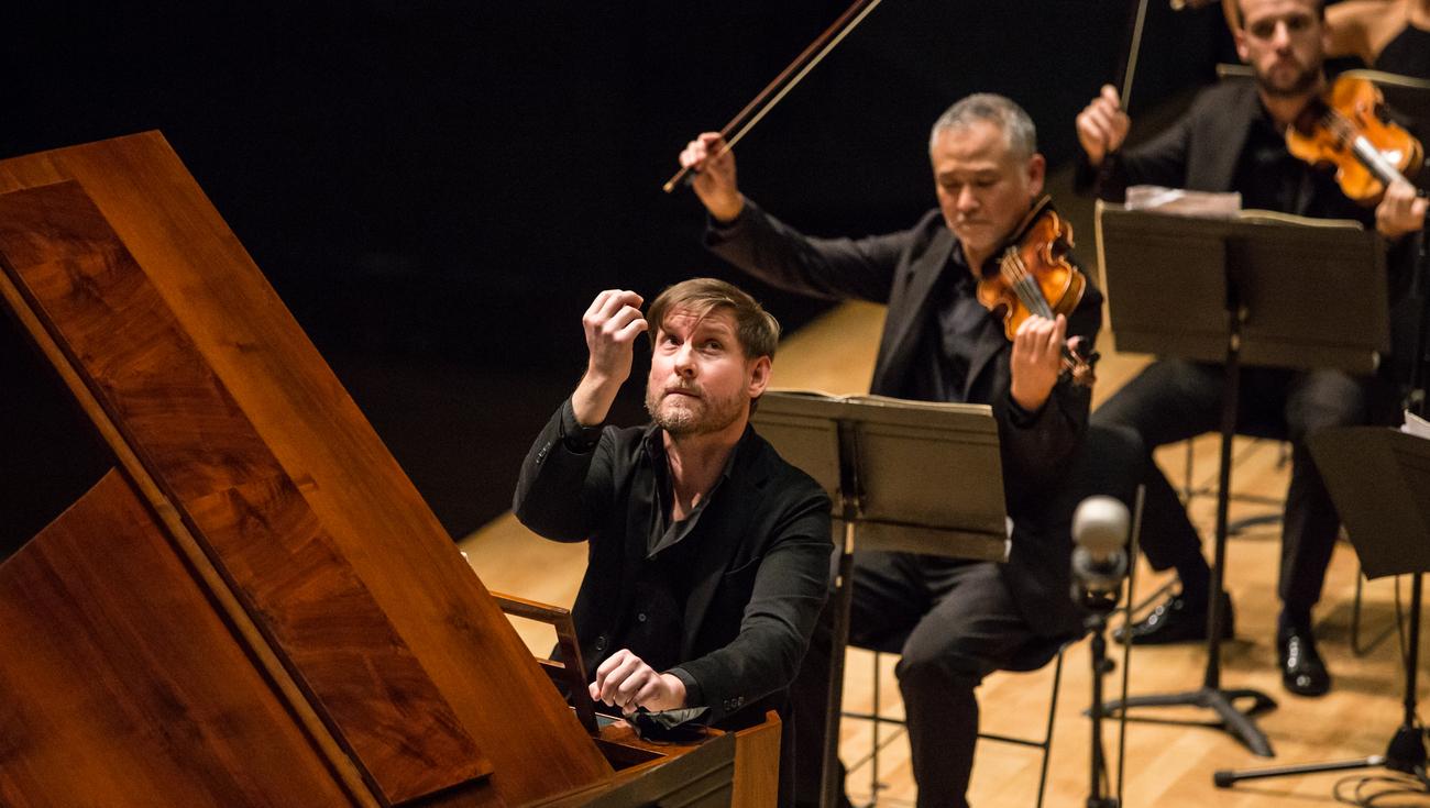 2020 Symphonies Parisiennes 2 7702 Oscar Ortega