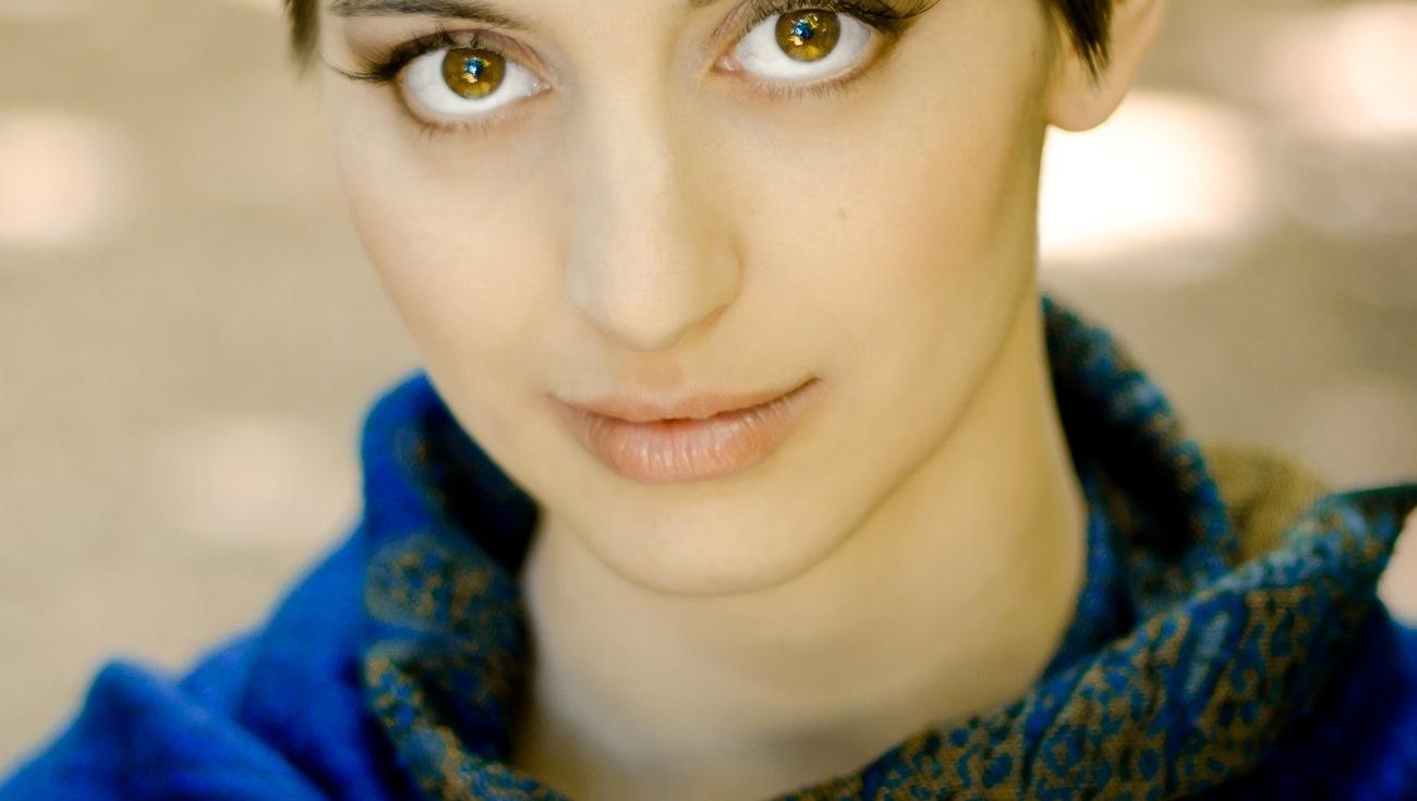 RENARD Portrait Emilie Web 1 Credit Raphaella Photography